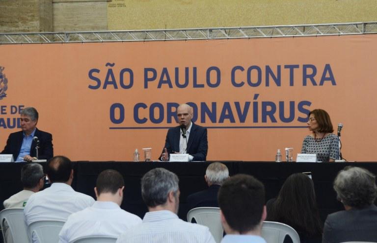 Bruno Covas em entrevista coletiva para anunciar novas medidas. (Crédito: Prefeitura SP).