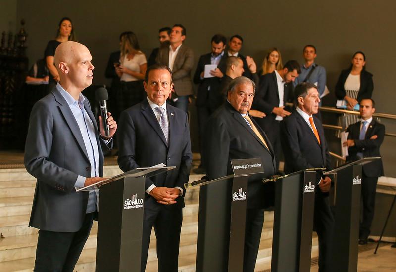 Prefeito, Bruno Covas durante coletiva de imprensa sobre combate ao Coronavírus. (Crédito: Governo do Estado de São Paulo).
