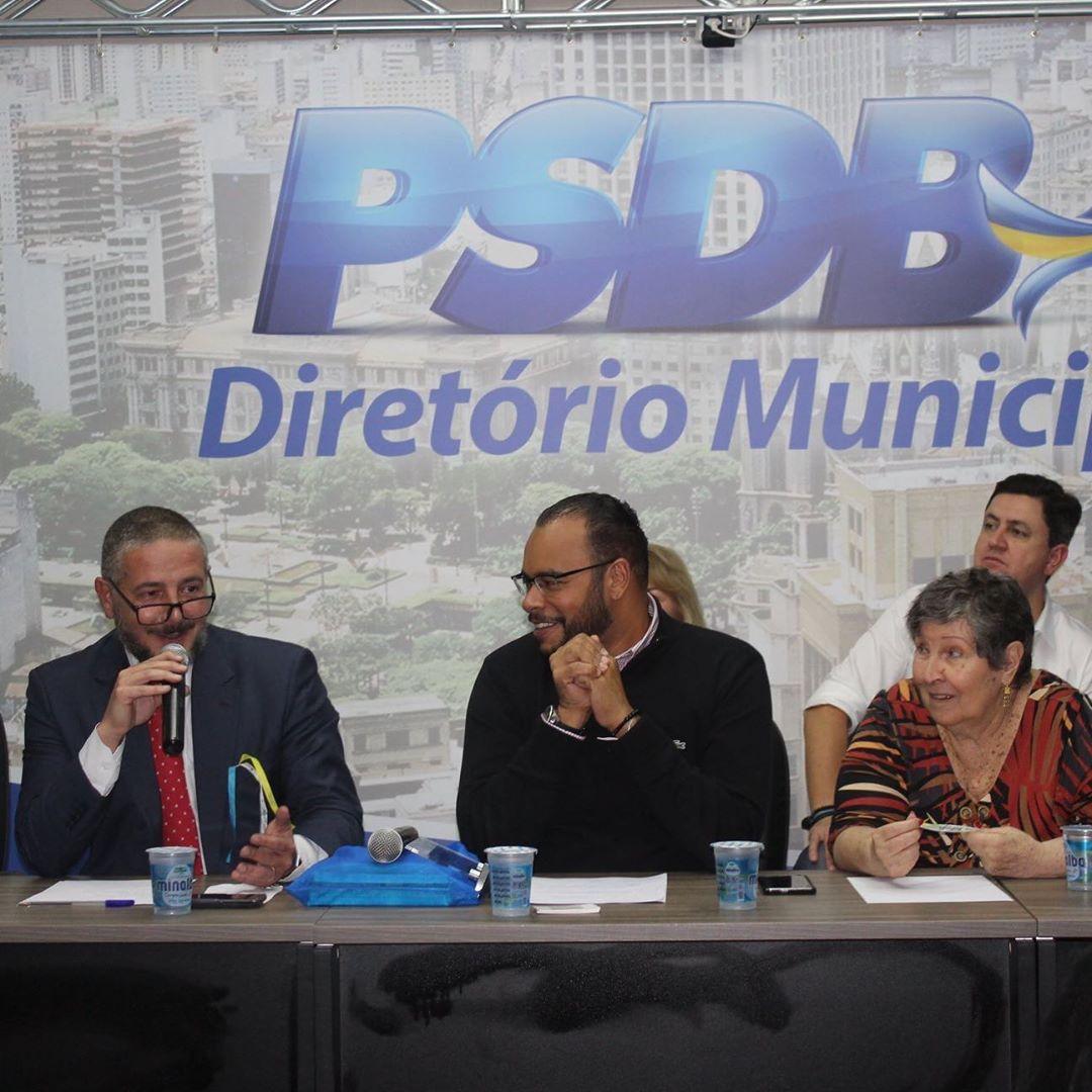 Secretário Fábio Lepique em evento no Diretório Municipal (Crédito: Divulgação)