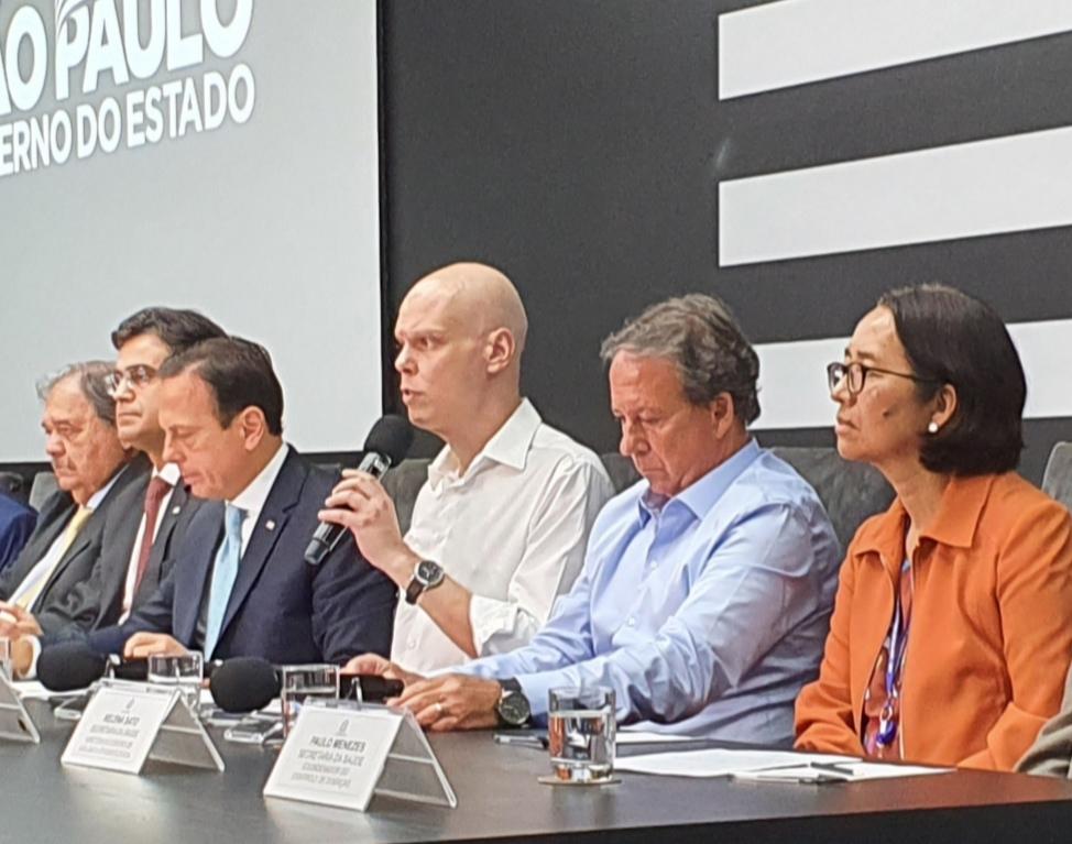 Bruno Covas e João Doria apresentam as novas medidas de combate ao vírus (Crédito: divulgação)