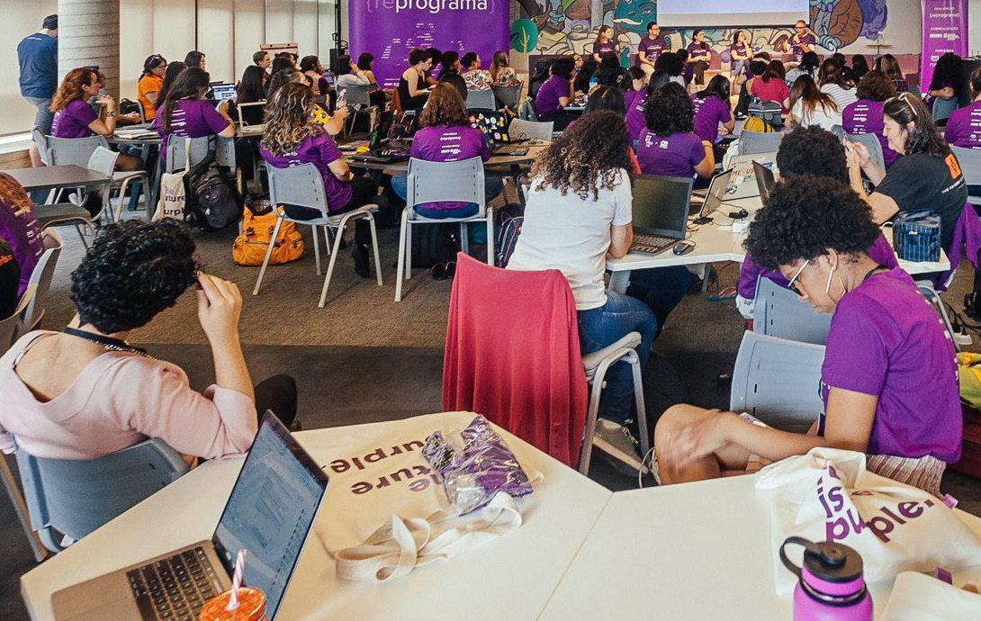 Programa busca incentivar participação das mulheres em posições de liderança na área de tecnologia (Crédito: Divulgação Prefeitura)