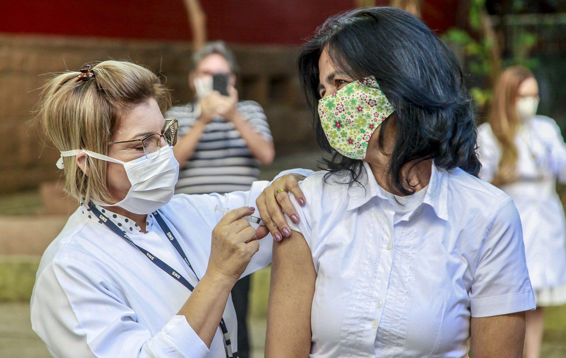 Governo de SP anuncia vacina contra a covid-19