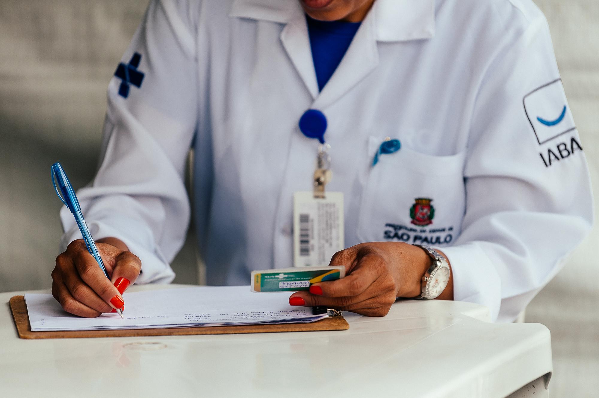 Esforços dos profissionais de saúde permite maior proteção a população vulnerável (Crédito: Divulgação Prefeitura)