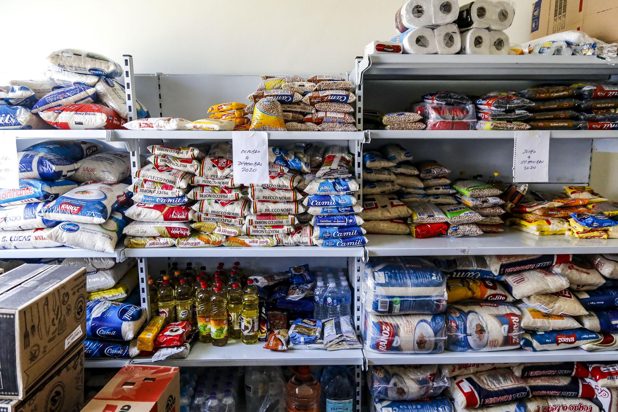 Alimentos separados para doação no Hospital da Cruz Vermelha Brasileira, em São Paulo (Divulgação: Prefeitura de São Paulo)