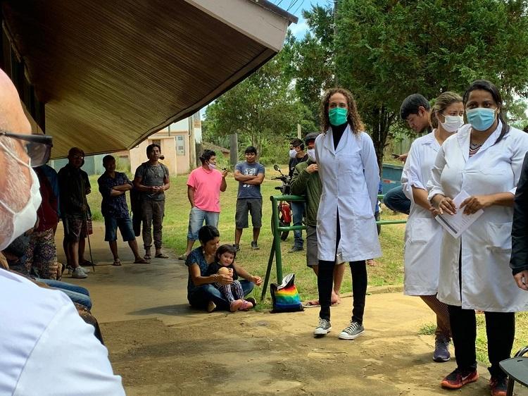 Agentes das equipes de saúde da Atenção Básica da SMS em visita às aldeias. (Divulgação: Prefeitura de São Paulo)