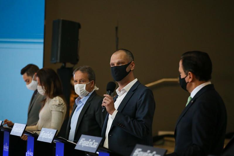 Prefeito Bruno Covas durante coletiva. (Crédito: Governo do Estado SP).