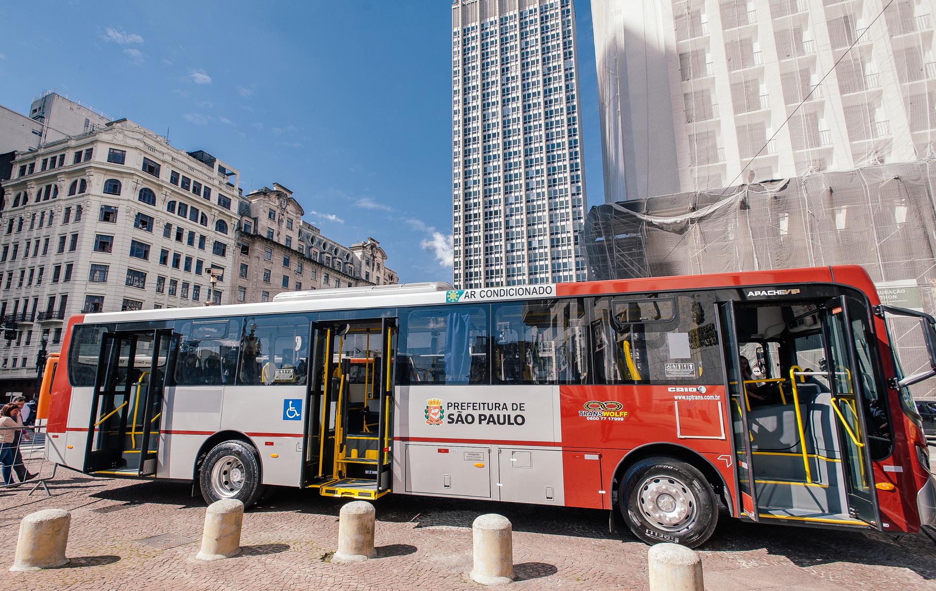 Frota de ônibus é reforçada na cidade de São Paulo