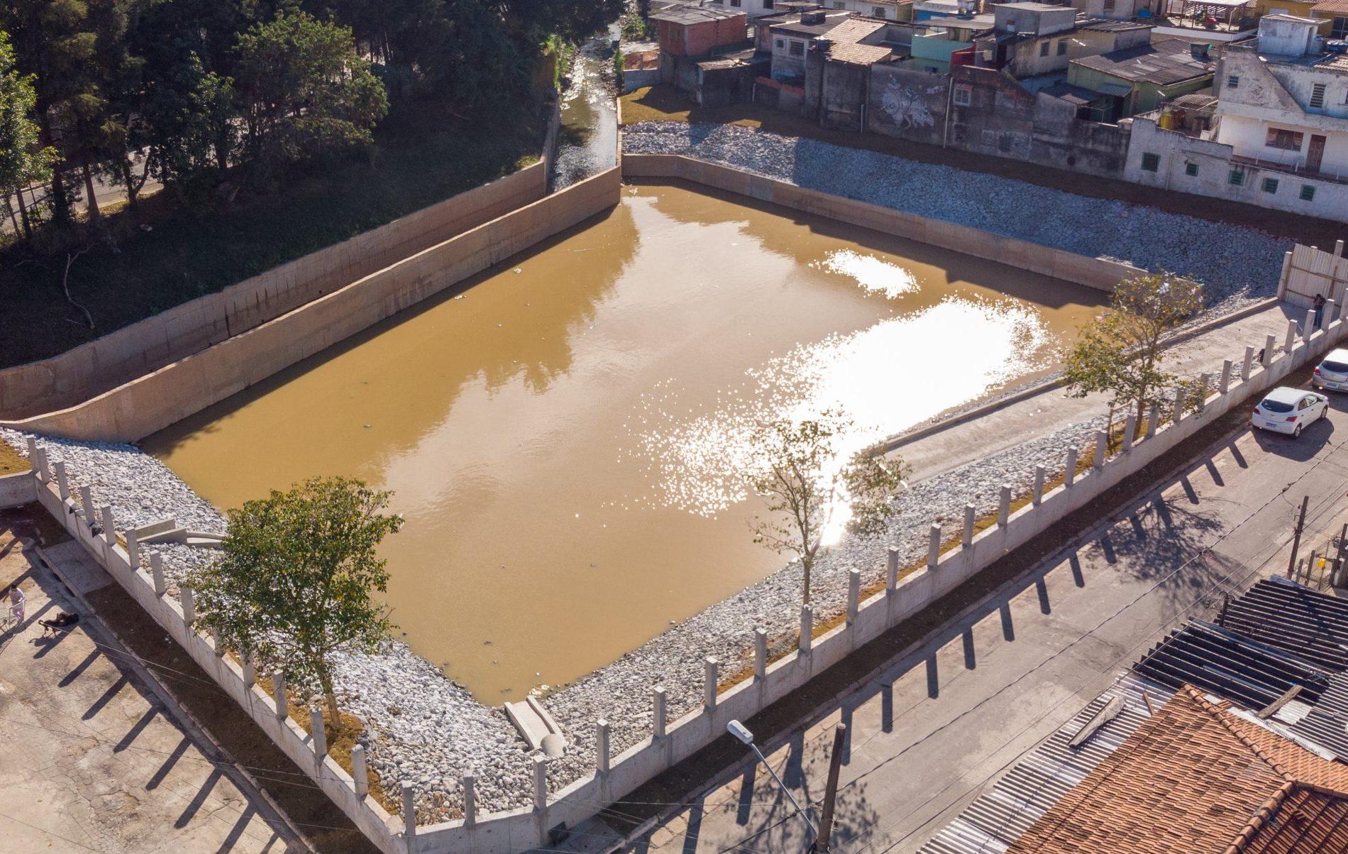 Número de piscinões cresce 44% com recorde de obras